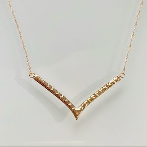 Solid 10k gold reversible chevron necklace 1.5g